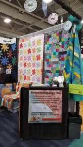 Brilliant Bindings demo and quilts.